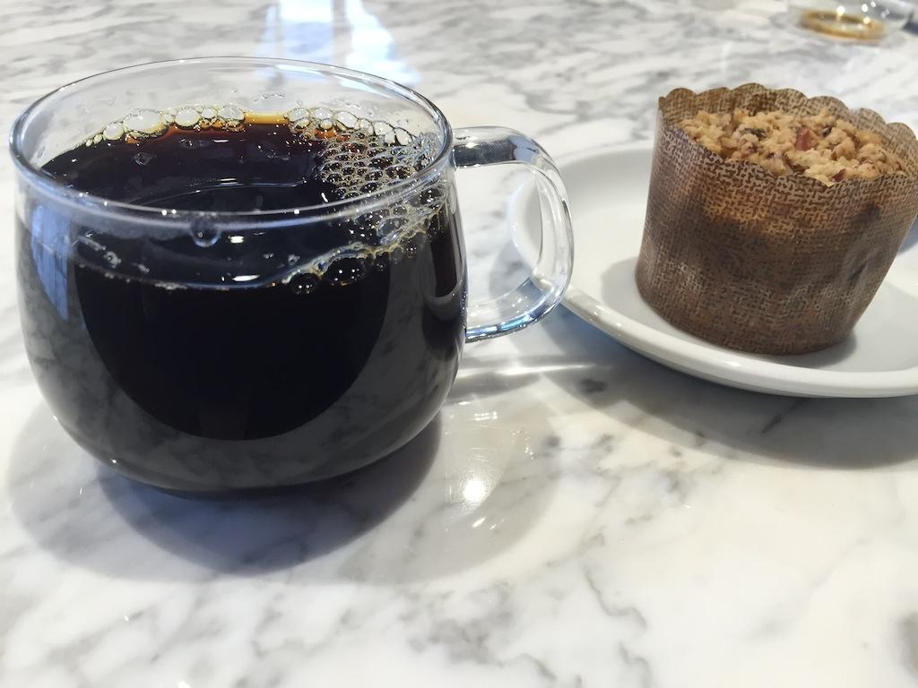 ブレンドコーヒーとスタウトケーキ