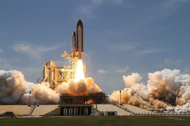 13歳の女の子が宇宙ロケット発射に成功した映像がすごい