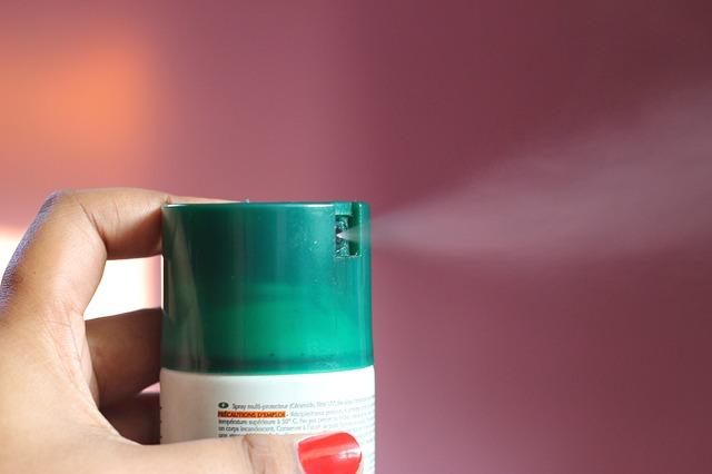 異常な殺虫剤の使い方をする女性から得たヒット商品のヒント
