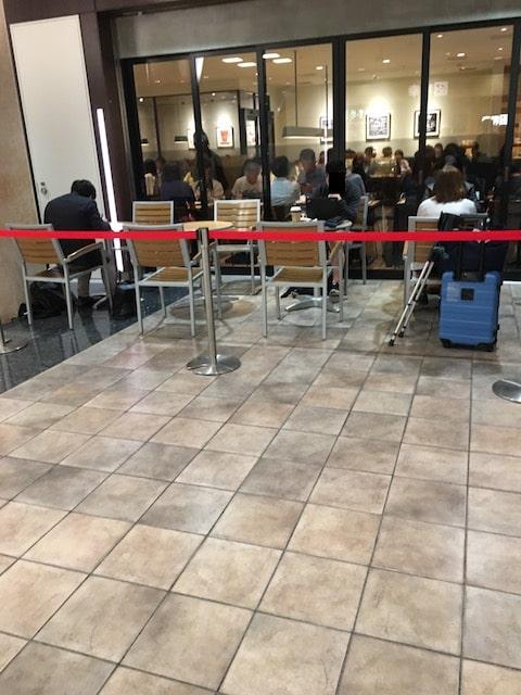マークシティのエクセルシオールカフェの様子